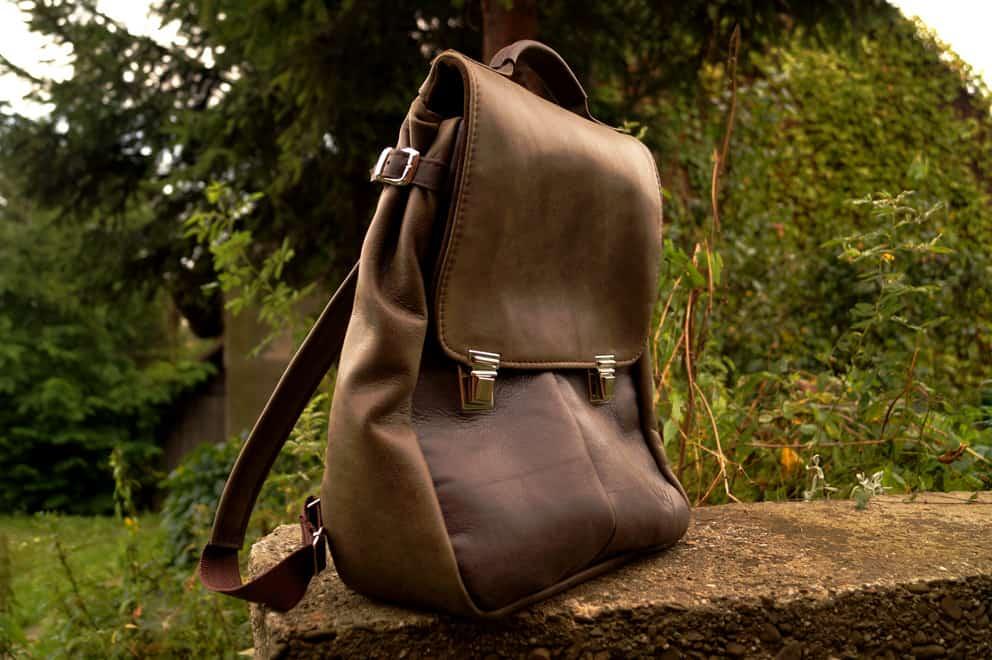 605e3e89de3fb LILITH CHIMERA plecak torba zgniłozielona i brązowa skóra » CzajkaCzajka  Autorska Pracownia Galanterii Skórzanej
